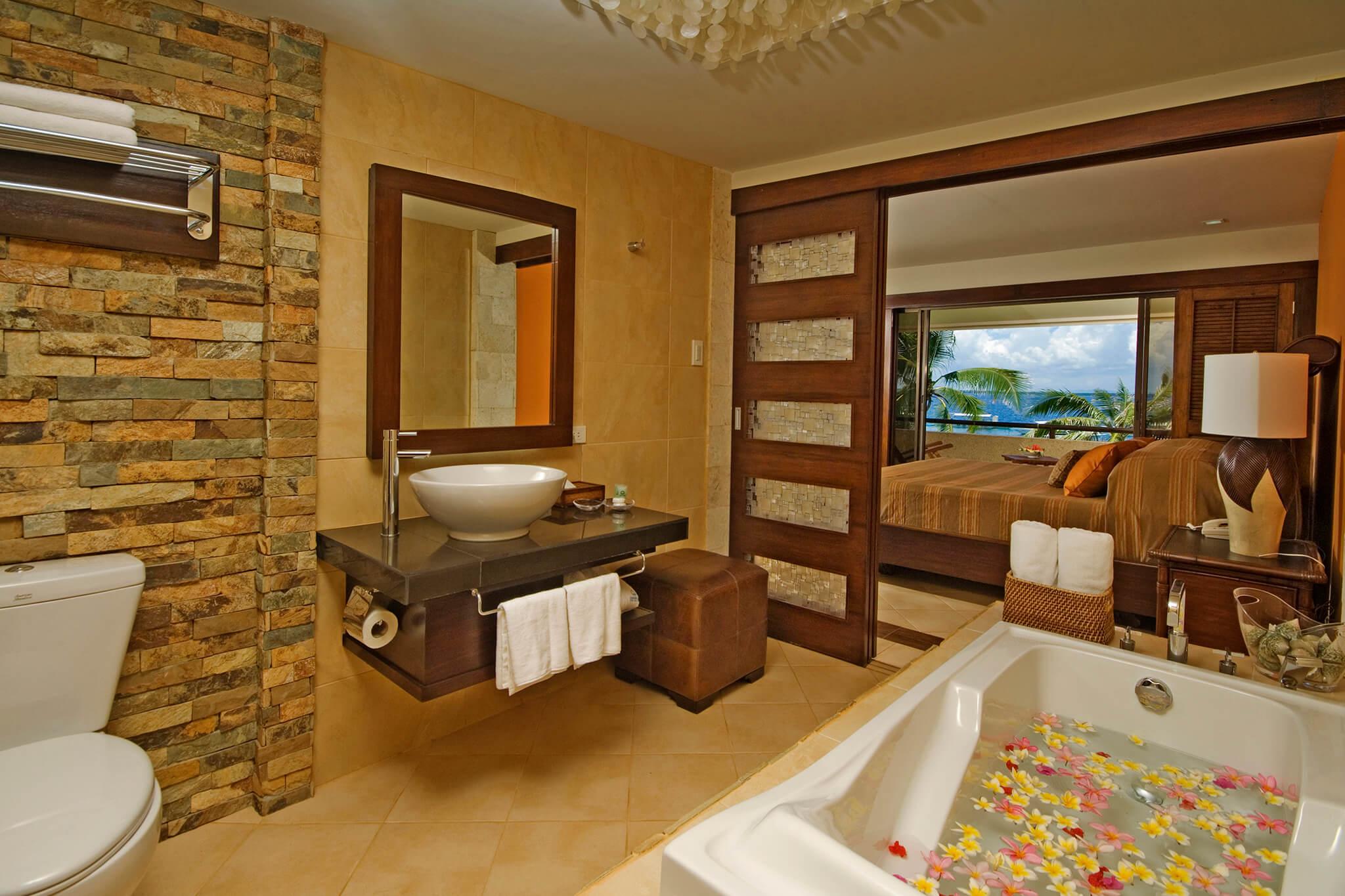 Sunrise Corner Suite